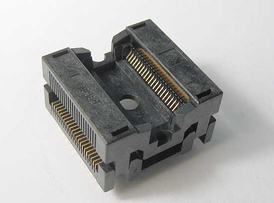 Sensata 656D2242211 top, 44 pin, SSOP test socket.